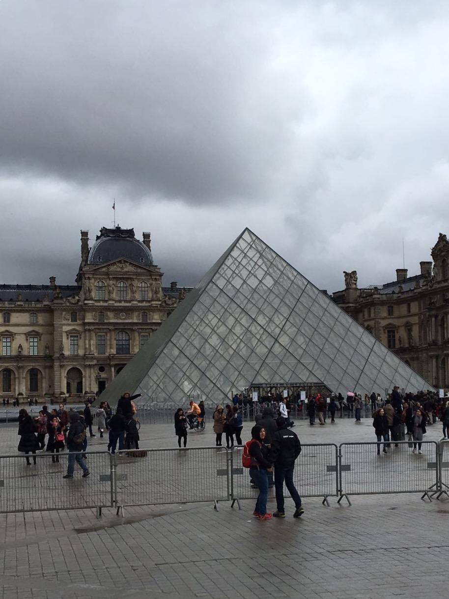 La testimonianza di luca sull 39 attentato terroristico di for Parigi a febbraio